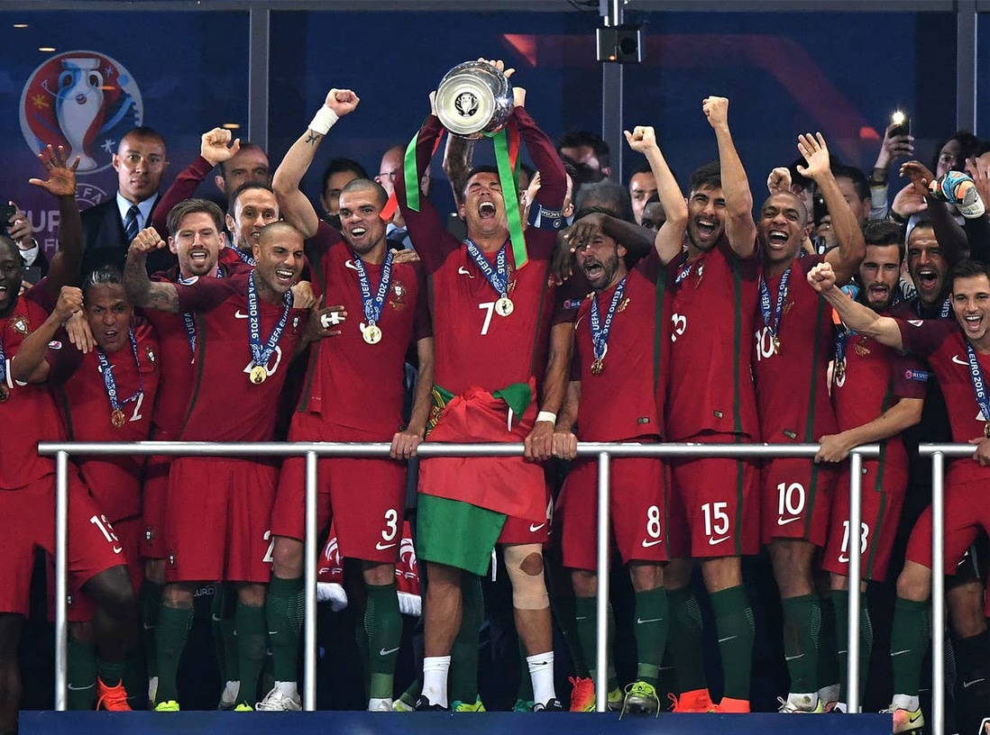 PORTUGAL-CHAMPION-d'EUROPE-2016